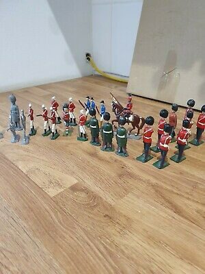 Large Collection Vintage Lead Soldiers And Horse.  27 In Total  • 5.50£