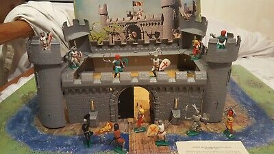 Vintage Timpo Medieval Castle - Original Box With Knights/Crusaders  • 149.99£