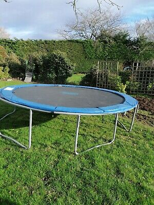 14ft Trampoline With Enclosure • 120£
