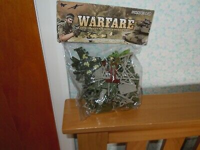 Set Of Plastic Toy Soldiers Warfare • 1.99£