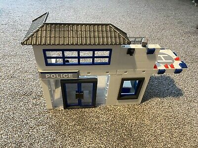 Playmobil Police  Station 9372 • 25£