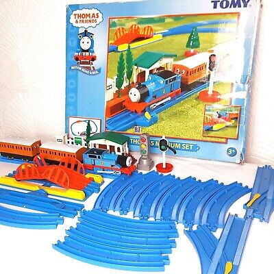 Thomas & Friends Medium Set Motorised Thomas Tomy Train Set 7401 • 19£