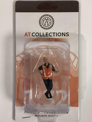 Workman Leaning 1:32 Scale Hand Painted AT Collections 32147 • 13.99£