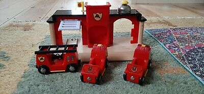 Brio Fire Station With Cars And Carriages  • 4.20£