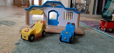 Brio Police Station With Cars • 5£