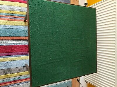 Folding Card/Bridge Table - Green Top With Dark Brown Sides And Legs • 10£