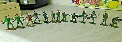 Crescent Toy Co Ltd 13 Plastic Toy Soldiers - English Made -Various Action Poses • 9.99£