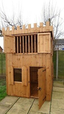 Wooden Play Castle • 1,100£