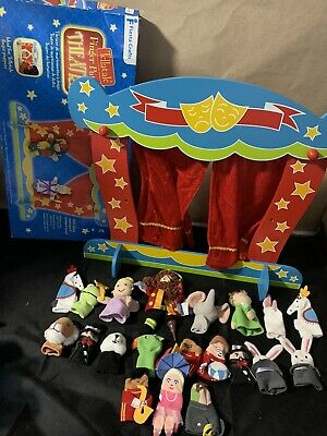 Wooden Puppet Theatre And Finger Puppets • 19.99£