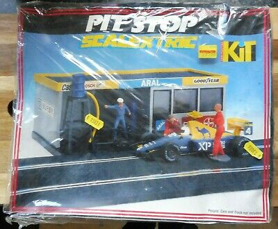 Scalextric C235 Pit Stop Kit, Boxed, Box Has Wear, Very Good Condition. • 9.45£