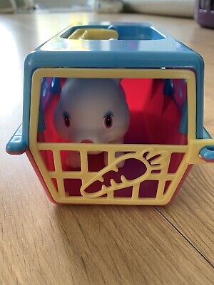Childrens Toy Bunny Rabbit With Portable Carry Hutch Simba Toys • 1.75£