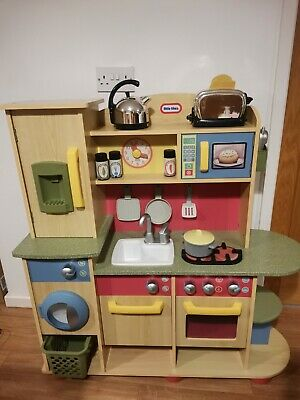 Little Tikes Wood Kitchen With Accessories  • 50£