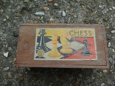 Vintage Chess Set In Wooden Box - Quality K&C London • 10£