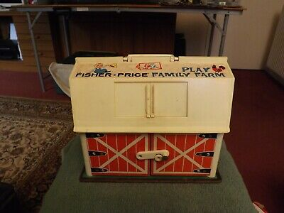 Vintage Fisher-Price 915  Play Family Farm With Animals / Fixtures 1967 USA • 8£
