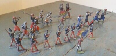 Vintage Small Size Lead Flat Soldiers • 10£