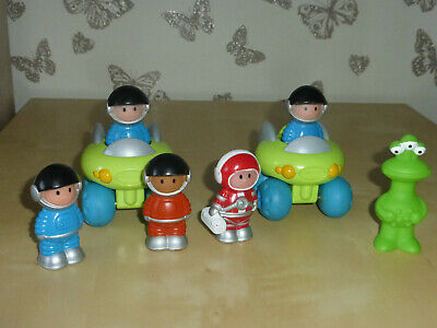 Happyland Space Buggy And Figures • 4.99£