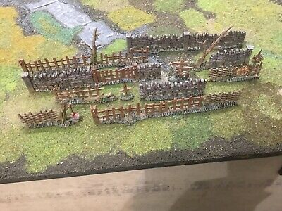 Painted Games Workshop Citadel Walls And Fences Plastic 28mm Scale  • 35£