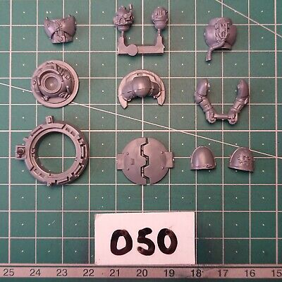 Space Marine Vehicle Hatch & Gunner Spares - Warhammer 40k Conversion Bits • 3.89£