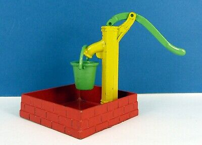 Dcmt ?? Diecast Working Water Pump Complete With Bucket & In Excellent Condition • 29£