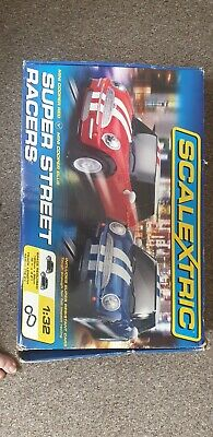 Scalextric Analogue 1.32 Scale With X2 Cars  • 40£