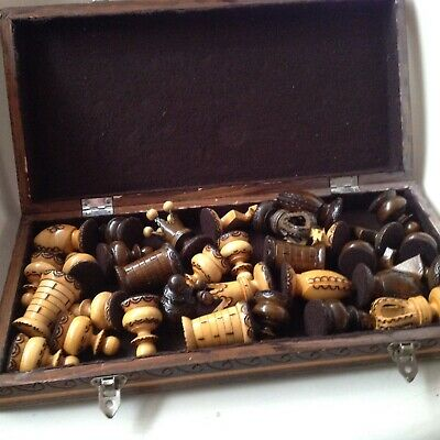 Chess Set In A Wooden Box And Board • 3.20£