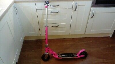 Micro Scooter - Pink Girls' Folding Scooter With Light. Excellent Condition. • 30£