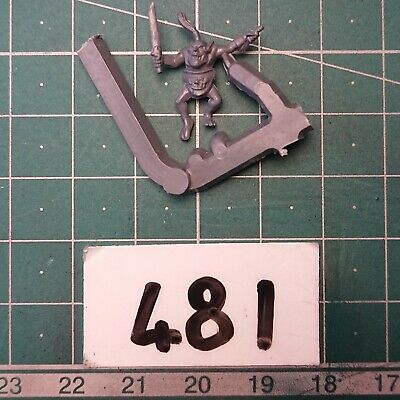 Orcs & Goblins, Small Goblin With Knife In Papoose  - Warhammer & AOS Bits • 4.49£