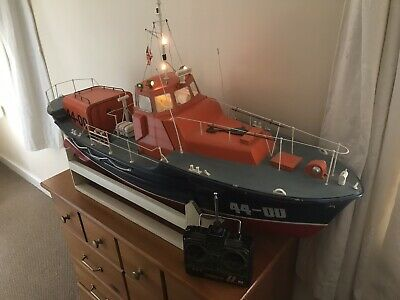 Radio Controlled Lifeboat • 200£