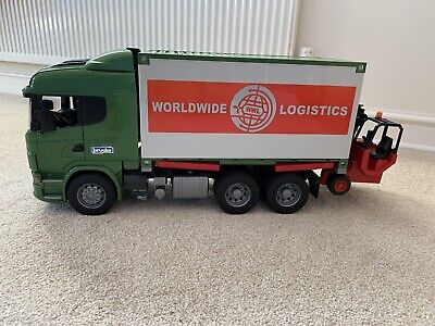 Bruder Scania R Series Container Lorry, Forklift And Pallets 1:16 Scale • 26£