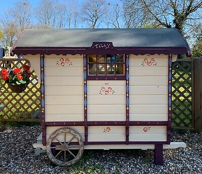 Gypsy Caravan Childrens Play House  • 2,400£