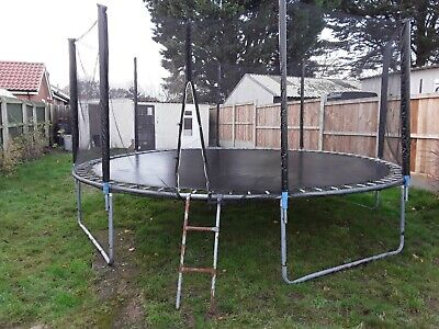 Trampoline 14 Ft With Ladder And Enclosure  • 25£