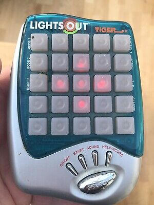 Lights Out Hand Held Electronic Game  • 10£