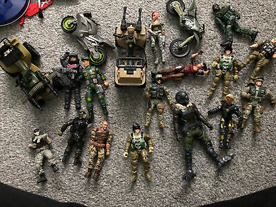 Army Figurines And Vehicles  • 12£