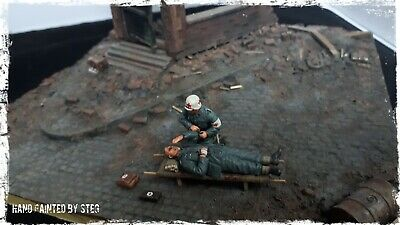 1/35 Built & Painted German Wounded With Medic.  Resin Heads. • 50£