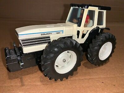 Britains Farm Toys White County 1884 Tractor • 100£