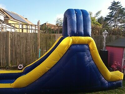 Large Inflatable Water Slide • 103£
