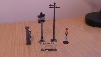 AC80 Small Group Of Diecast & Tim Road Sign's • 14£