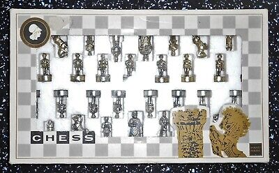 Solid Metal Chess Set • 12.99£