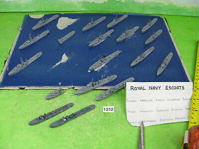 Vintage Small Collection X20 Wood Waterline Ships 1/1200 All Named Models 1232 • 15£
