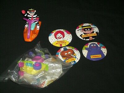 McDonald's Happy Meal Toys & Badges • 1.99£