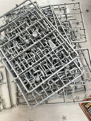Warhammer Fantasy Zombies 15 Complete Frames And 4 Almost Complete Frames • 15£