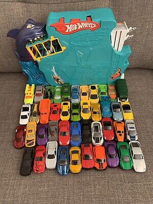 Toy Cars Bundle Hot Wheels Track 40+ Cars • 13.50£