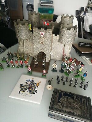 Vintage Antique Hand Made Fort Wooden Castle & Britain's Soldiers.  • 20£