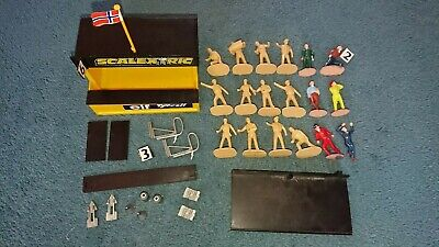 Scalextric Pit Building Spectator And Mechanic Figures Trackside Accessories Job • 4.52£