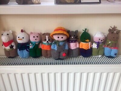 Hand Knitted Old Macdonald And Animals • 15£