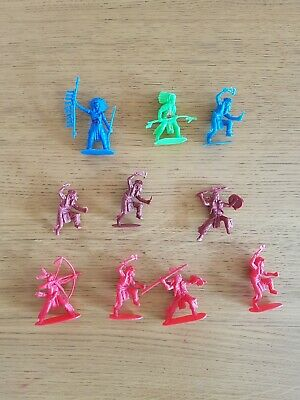 Toy Indian Figures X 10 - 5 - 8 Cms • 7£