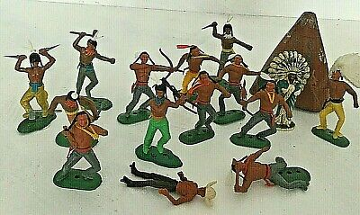 Vintage Models Of Cowboy And Indian Plastic Figures 1960's • 2£