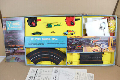 TRIANG HORNBY M1527 MINIC MOTORWAY HELIPORT INTERNATIONAL SET BOXED Ny • 499.50£