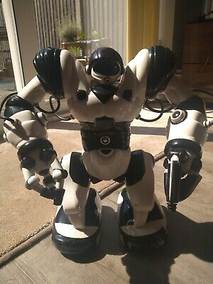 Large Robosapien With Cup And Controller Remote Controlled Toy From Wowwee • 30£