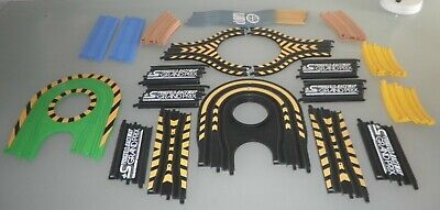 Micro Scalextric Track 21 Pieces • 12£